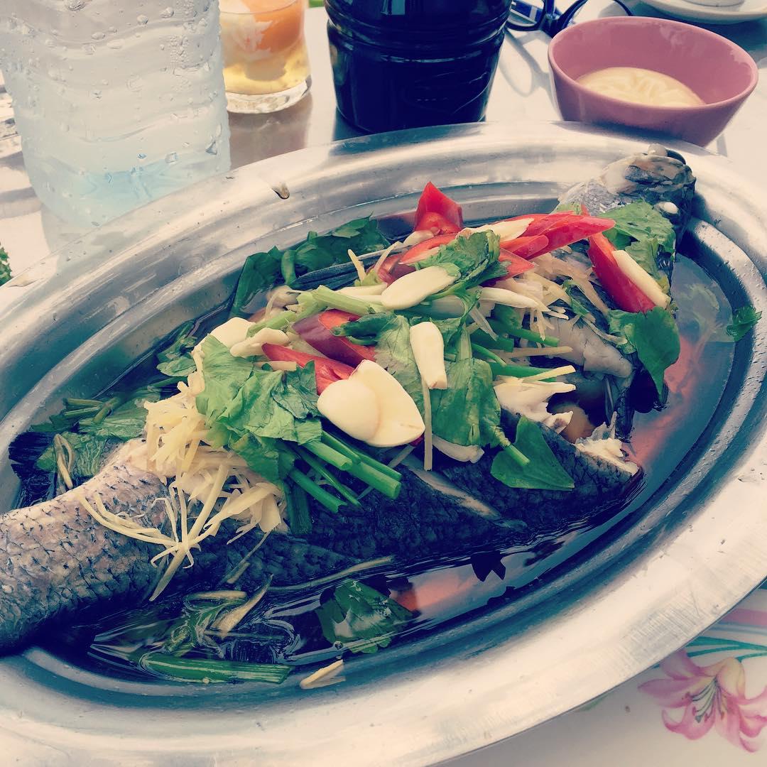 Одна порция рыбы на пару. Вот так вот. #пп #таиланд #путешествия #кухнянародовмира #lenafilatova