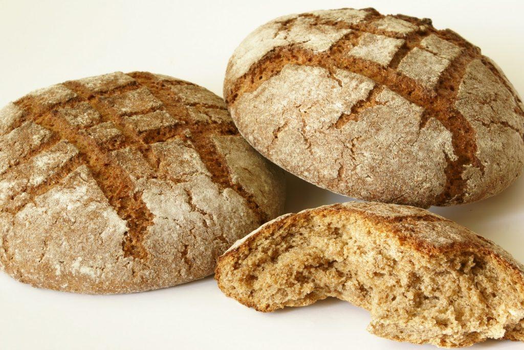хлеб из тёмной муки грубого помола