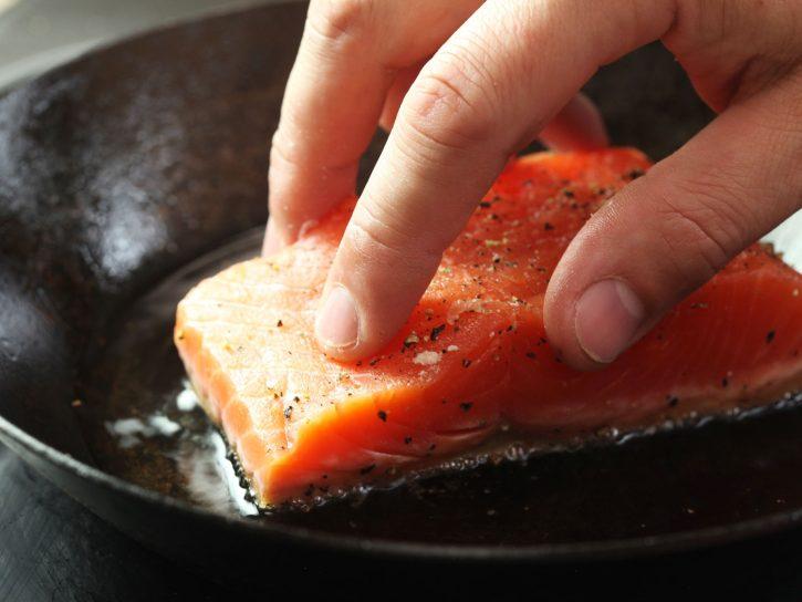 Как выбрать свовороду: антипригарная сковорода