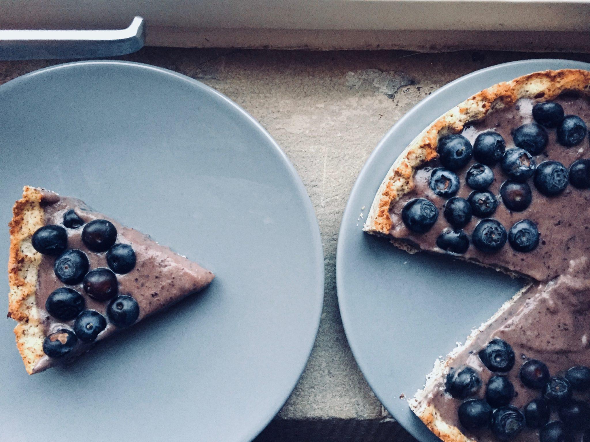 низкоуглеводный тарт с черничным курдом