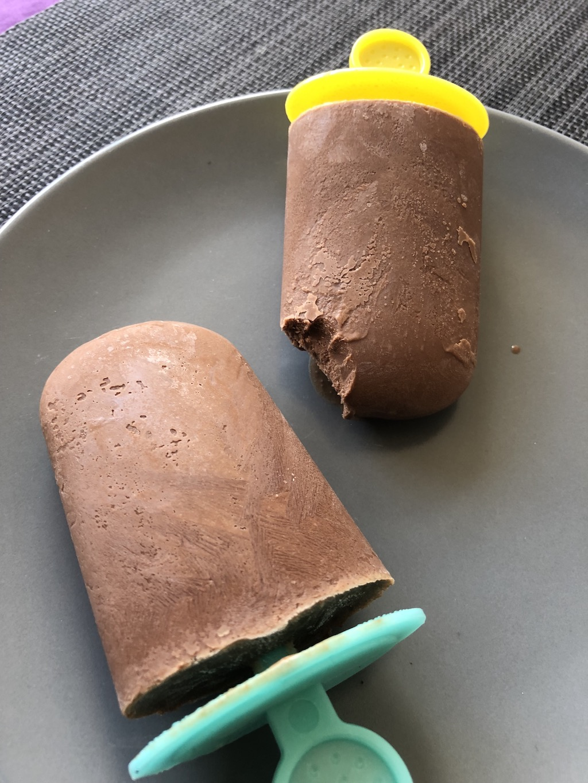 Шоколадное мороженое без сахара